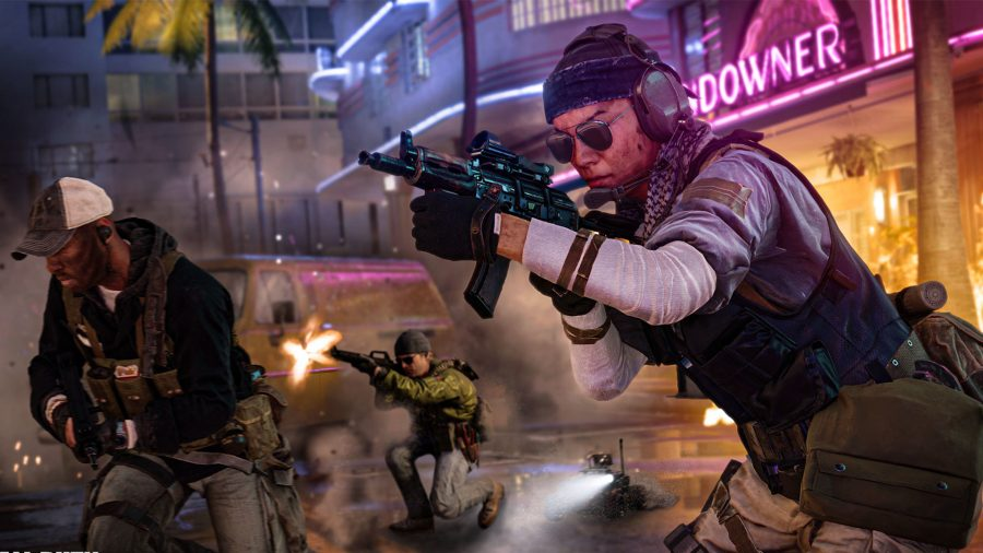 Cold War player brandishing a MP5 in the midst of Miami