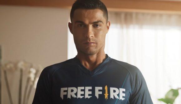 Cristiano Ronaldo wearing a Free Fire shirt