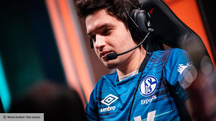 Odoamne while playing for Schalke 04