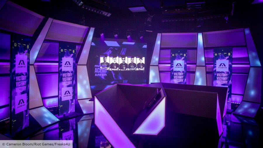 A purple studio environment with the headshots of five Acend players on a screen
