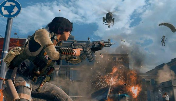 A huge gunfight erupting in Call of Duty: Warzone