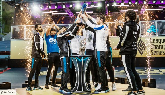 Cloud9 lifting the 2021 LCS Spring Split trophy