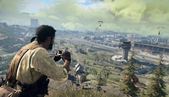 A player looks across the battlefield using binoculars in Call of Duty: Warzone